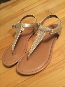 Womens size 3 sandals