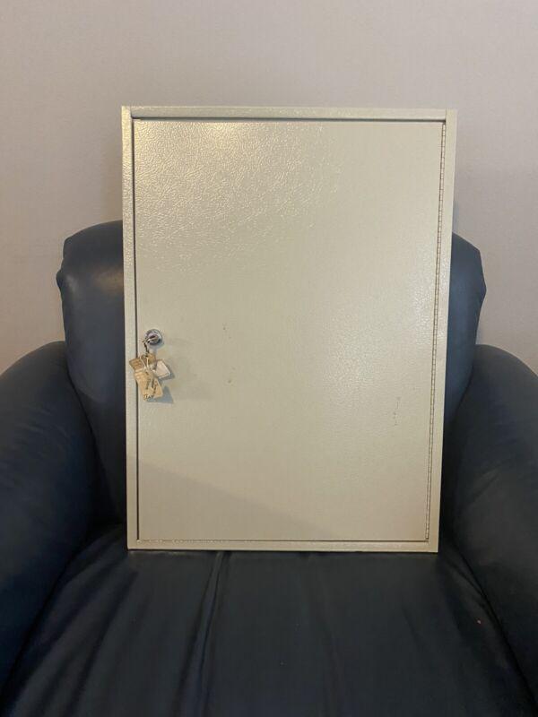 100 Key Safe Wall Mount Holder Cabinet Storage.