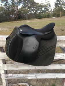 17.5 Thorowgood T4 High Wither Saddle