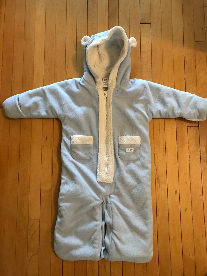 1bb4e17f7 Baby Gap 3-6 month fleece bunting suit