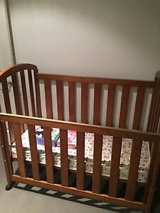 Cot for sale Bundall Gold Coast City Preview