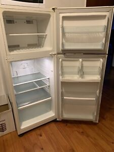 Refrigerator for sale $40 (Pick-up only)