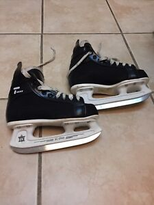 Ice Skates- by Bauer Tacks CCM- Junior Size