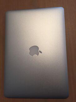 "Macbook Air 13"" Mid-2011 - Pristine condition"