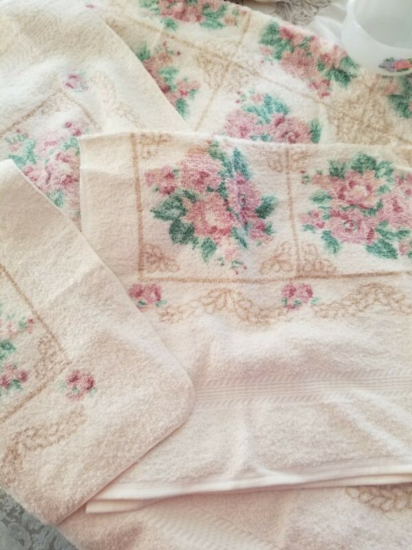 Vintage JCP 4  Piece Floral Bath Towel Set - New! Windowpane Rose