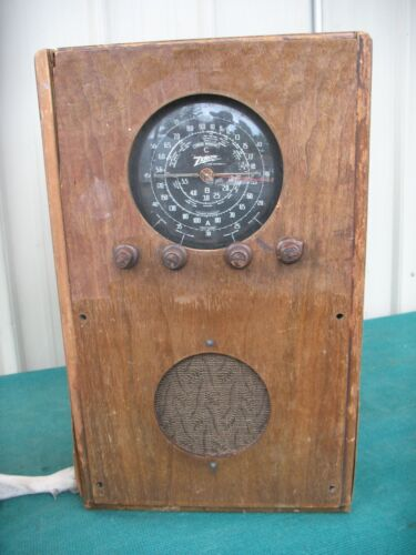 Vintage Zenith Long Distance All Wave Console Tube Radio Foreign Broadcast