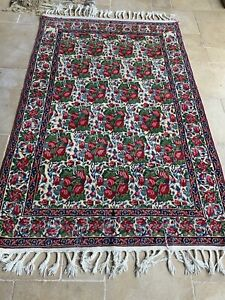 Variety of Persian hand knotted carpets & rugs