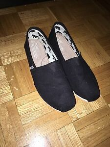 toms shoes size 10