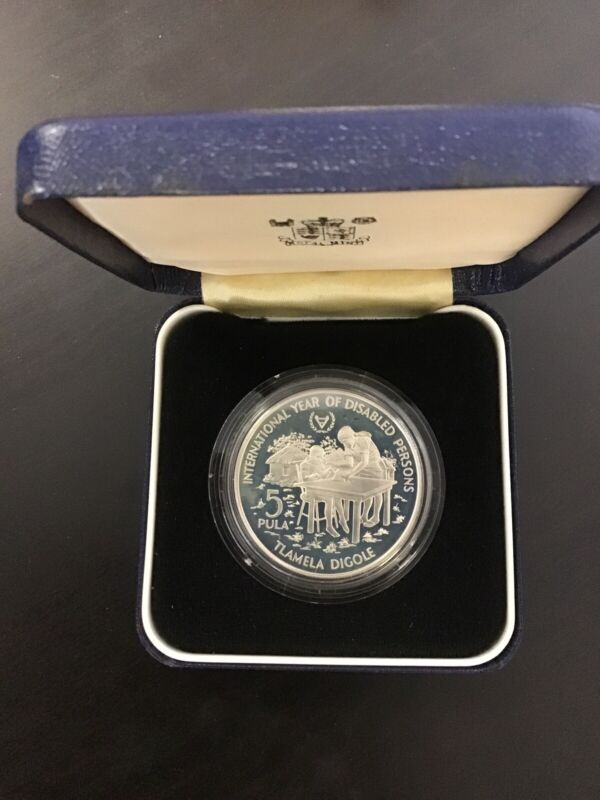 Botswana 1981 I.Y.D.P 5 Pula 28.28g .925 Silver Coin With Box
