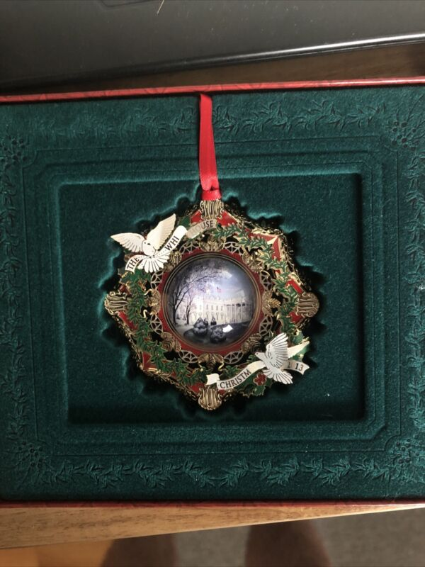 2013 THE WHITE HOUSE HISTORICAL ASSOCIATION CHRISTMAS ORNAMENT w/ doves ~ NEW