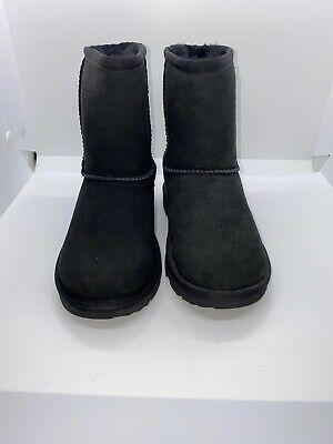 Ugg Australia Kids Classic II black boots size 13 # 1017703k (dm502)