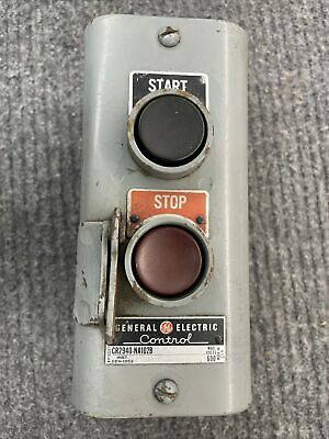 Vintage General Electric Start Stop Push Button Station Momentary Cr2940 Na102b