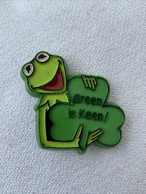 Henson Associates Kermit the Frog Green Is keen! 1980 Pin Muppets Earth Day