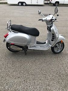 VESPA super GTS300 IE/300CC