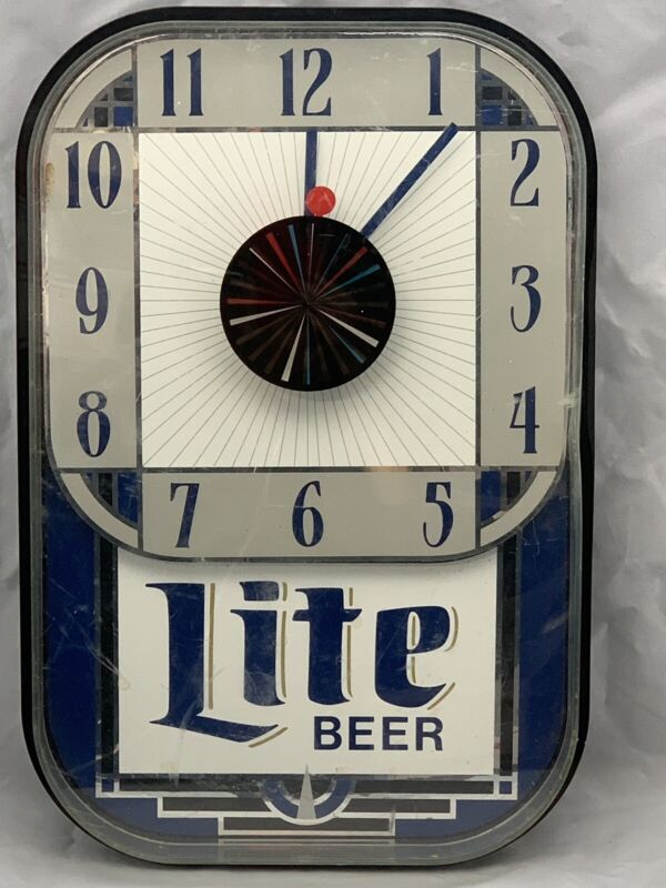 Vintage 1989 Miller Lite Beer Wall Clock Sign Advertising Rotating Middle Retro