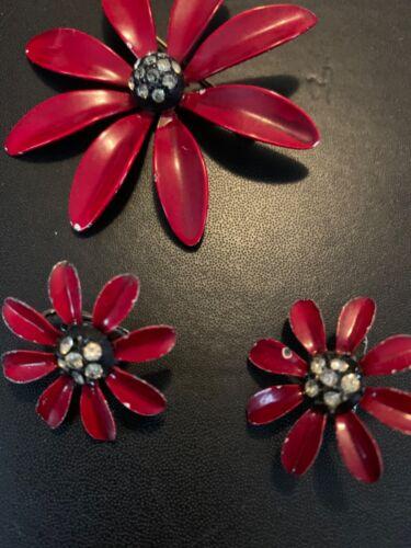 RED ENAMEL RHINESTONE FLOWER PIN BROOCH CLIP EARRINGS SET NICE