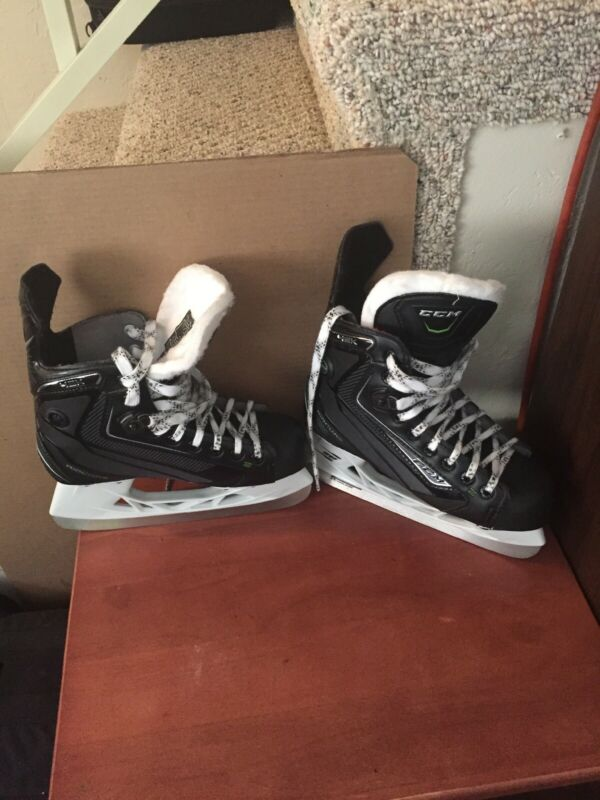 CCM Ribcore Pump  42K Jr Hockey Skates Size 4