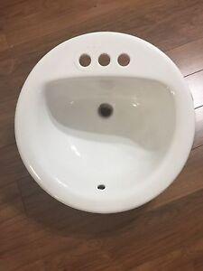 White round sink