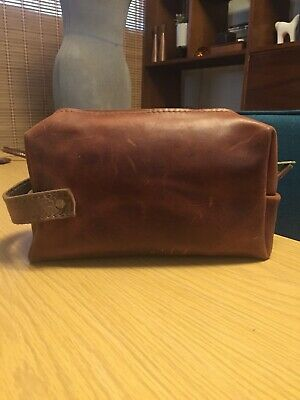 Rustico Tan Rugged Distressed Leather Toiletry Bag