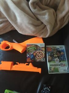 Wii game with gun arcade shooting gallery madden nfl 11