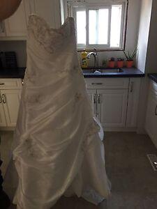 Bonnie size 10 bridal gown