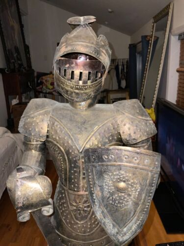 ANTIQUE MEDIEVAL KNIGHTS STATUE 4 FOOT TALL FROM MEXICO