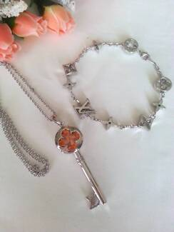 NEW Louis Vuitton LV Silver Key Clover Charm Necklace + Bracelet Adelaide Region Preview