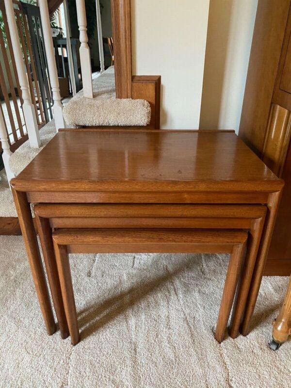 Drexel Parallel nesting table- set of 3