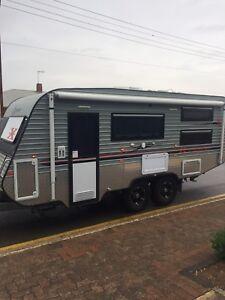 2012 Crusader Family Caravan