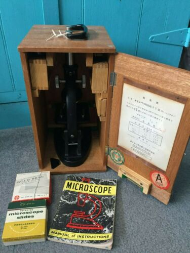 VINTAGE OLYMPUS TOKYO JAPAN OIC  #117965 MICROSCOPE IN WOODEN CARRYING BOX /ACCS