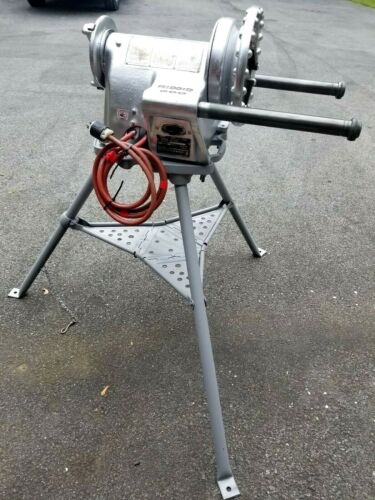 RIDGID MODEL 300 ELECTRIC PIPE THREADING MACHINE W/STAND