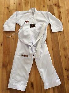 1 uniforme taekwondo
