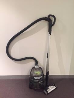 Electrolux Ultraperformer Bagless Green Cyclonic Vacuum Cleaner