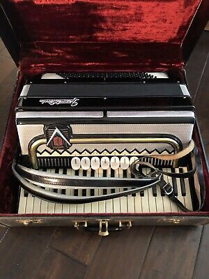 1960s Frontalini Piano Accordion made in Italy