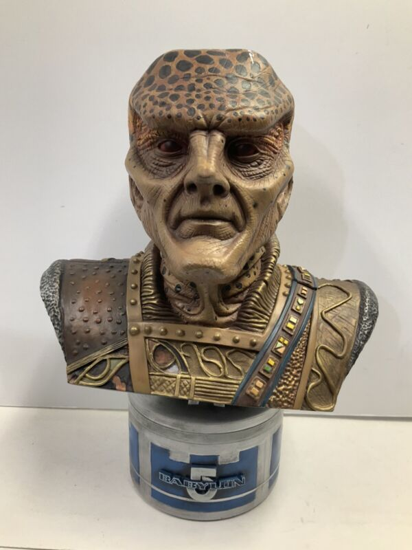 Babylon 5 G'kar Bust Signed by Andreas Katsulas Legends in 3 Dimensions