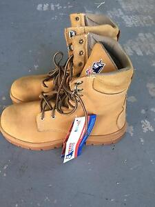Steel blue work boots brand new Mermaid Beach Gold Coast City Preview