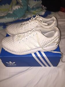 Adidas ZX flux triple white size 12 Sorrento Joondalup Area Preview