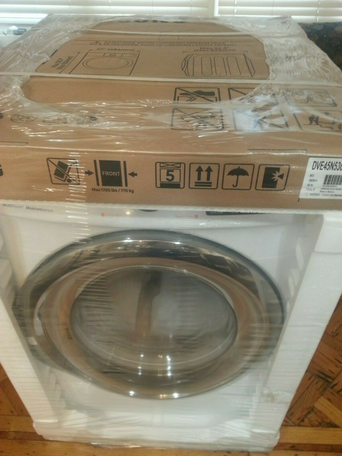 DV5300 7.5 cu. ft. Electric Dryer with Steam-Brand new!