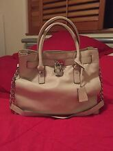 Soft leather MICHAEL KORS Hamilton tote bag Mudgeeraba Gold Coast South Preview