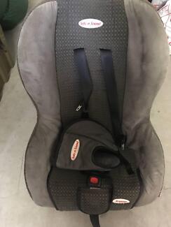 Safe n Sound Premier infant/child car seat - grey