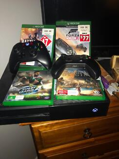 Xbox one 500gb 2x controllers and 4 games Biggera Waters Gold Coast City Preview