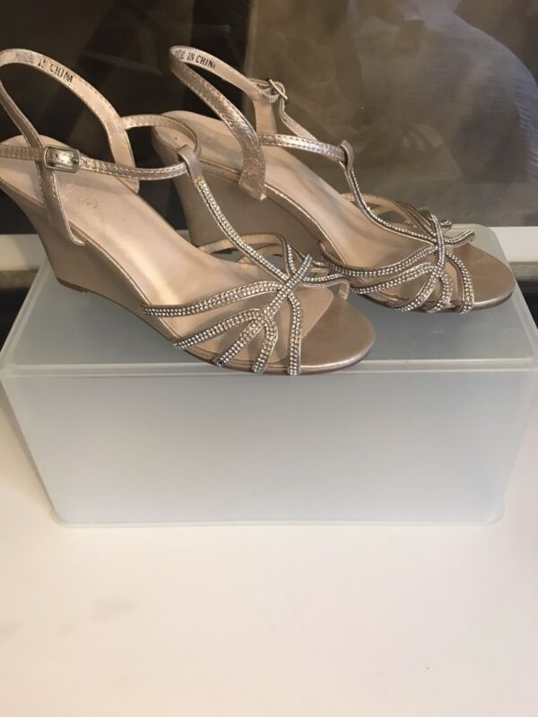David's Bridal T-strap Wedges - Size 7.5