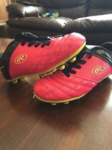 Girls Size 13 Rauling Soccer cleats and shin pads