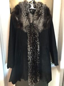 Beautiful Thick Leather Suede Coat with real Silver Fox Trim (M)