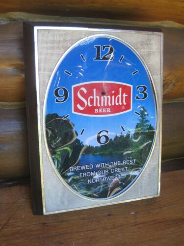Vintage 1982 SCHMIDT BEER Lighted Plastic Wall CLOCK Works (Missing Hands)