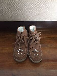 Size 6 Women's Moccasins