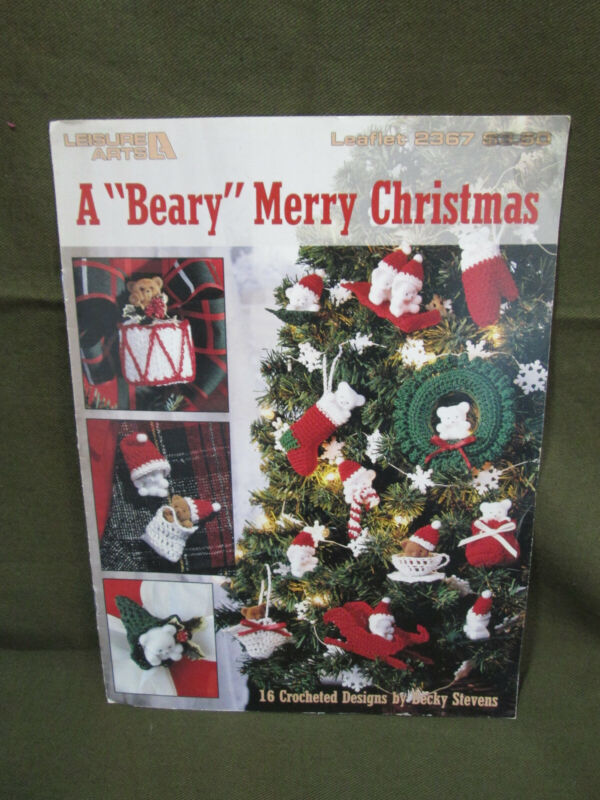 """Vintage """"A Beary Merry Christmas"""" Plastic Canvas Pattern Booklet #2367"""