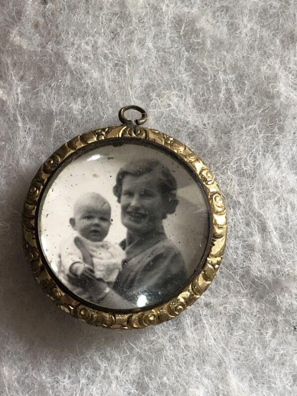Antique Photo Portrait Pendant Art Nouveau Frame 1920s Mother Baby Gold Plated