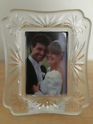 Mikasa Tudor Frosted Glass 2x3 wallet Picture Photo Frame QQ071/582 Tabletop