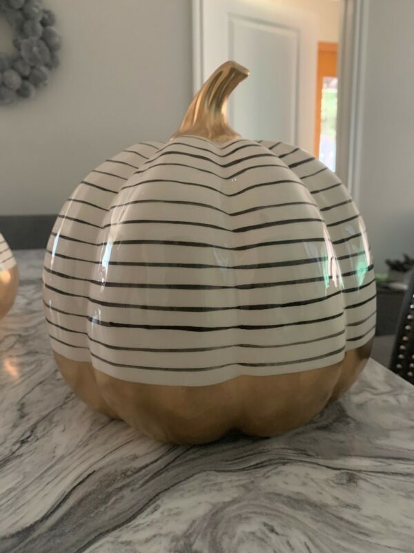 Fall Thanksgiving Decor: Ceramic Porcelain Pumpkin (cream/gold/black)